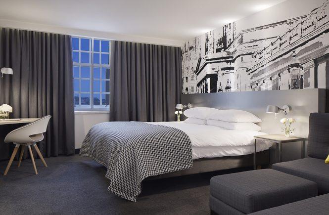 An Overnight At The Radisson Blu Hotel, Edinburgh